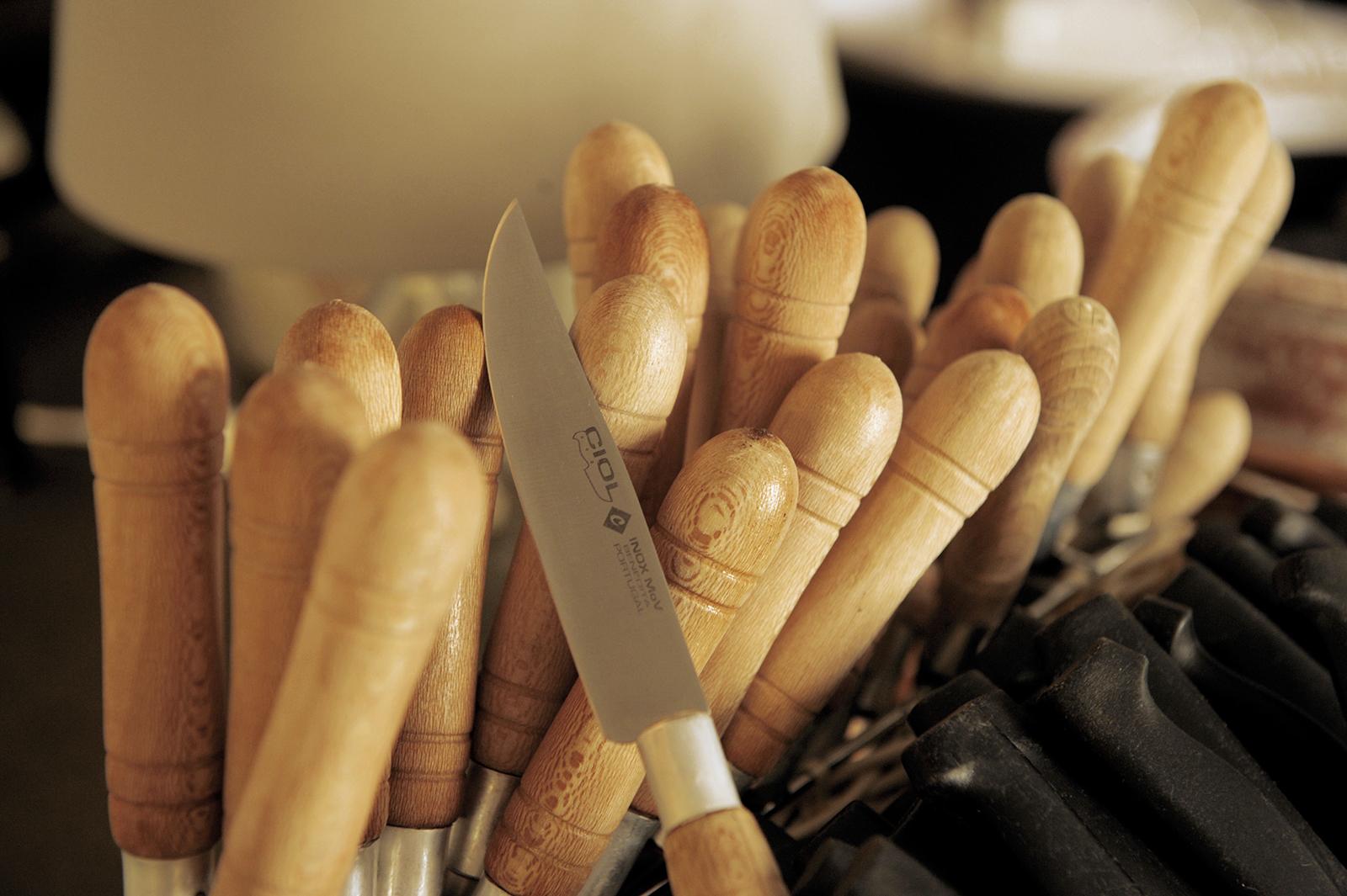 ange-couteau3